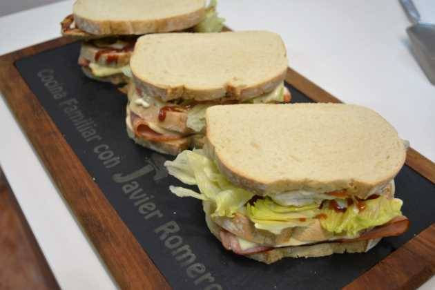 Sandwich-de-pollo-y-beicon-final