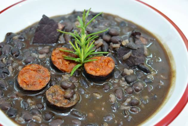 potaje-de-alubias-negras-con-arroz-final